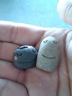 これはお土産にもらった小石。なごみます。